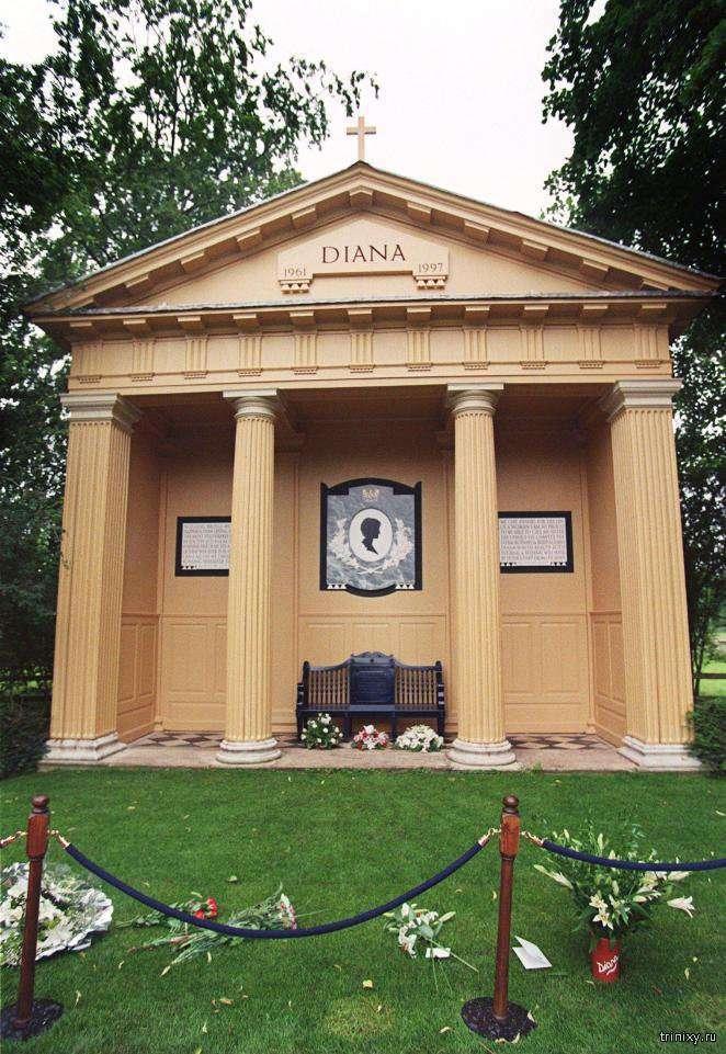 Чому могилу Діани чотири рази намагалися пограбувати? (3 фото)