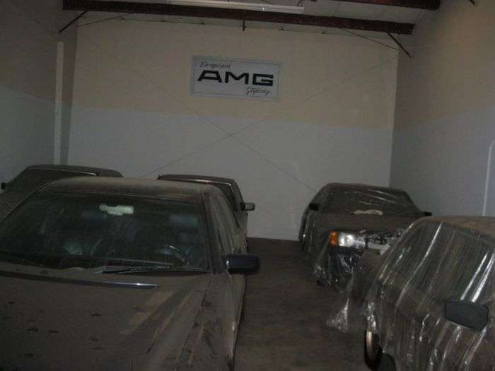 Забутий склад Mercedes-Benz AMG в Сан-Франциско (19 фото)