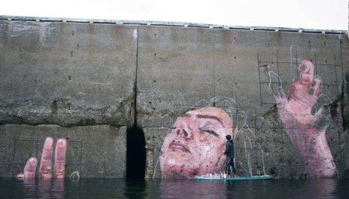 Графіті з «потопаючої» дівчиною в гавані Сент-Джон (4 фото)