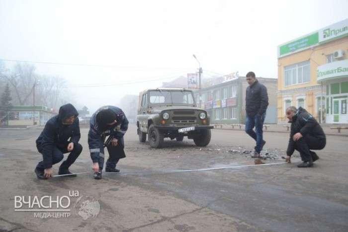Наслідки лобового зіткнення Daewoo і УАЗа (5 фото)