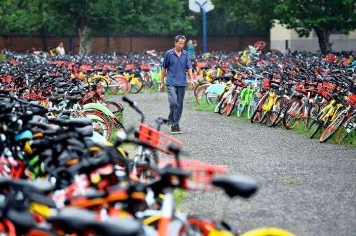 Десятки тисяч кинутих автомобілів у Китаї (3 фото)