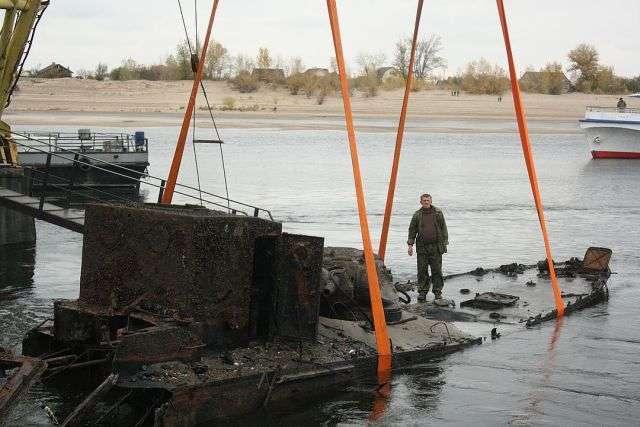 З дна Волги підняли бронекатер БК-31, обороняв Сталінград (6 фото)