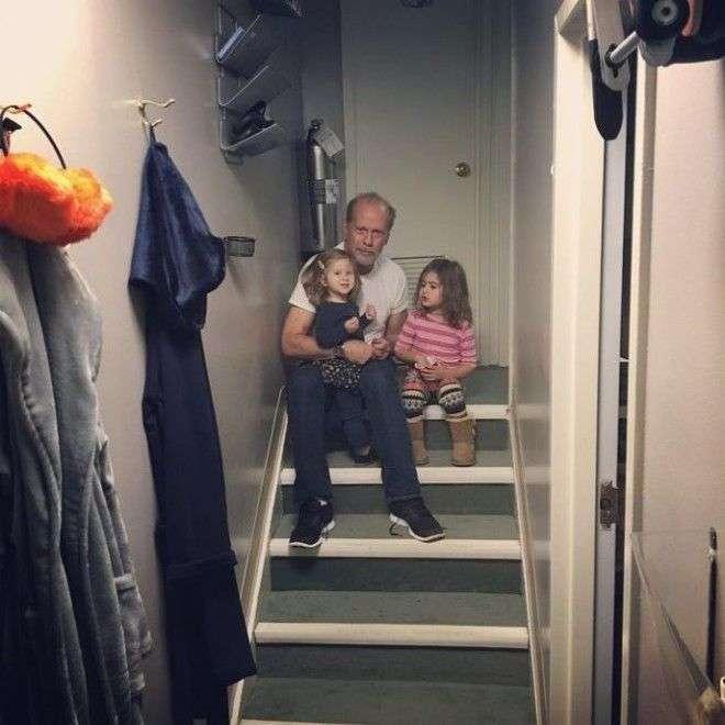 Брюс Вілліс і його сімя на фото в «Instagram» (20 фото)