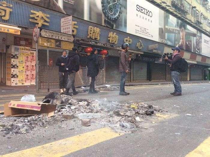 Масові заворушення на вулицях Гонконгу (12 фото + 4 відео)