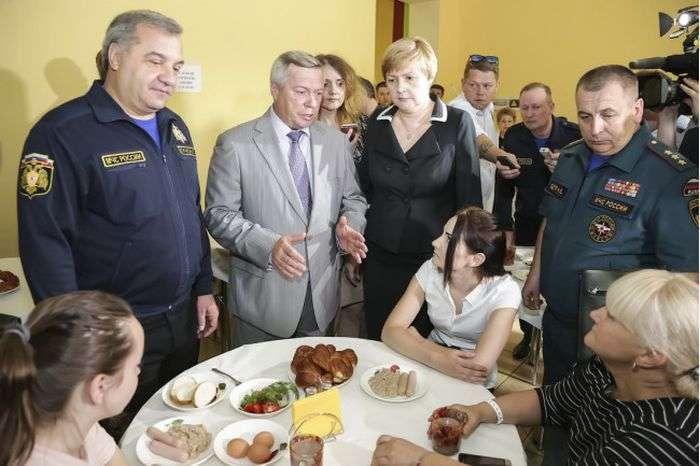У ростовських погорільців відразу після відїзду губернатора забрали меблі і телевізори (2 фото)