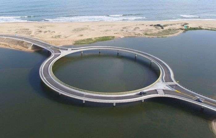 Міст, який допомагає милуватися природною красою (5 фото)
