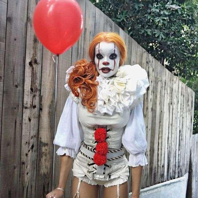 Косплей на клоуна Пеннівайза з фільму «Воно» (3 фото)