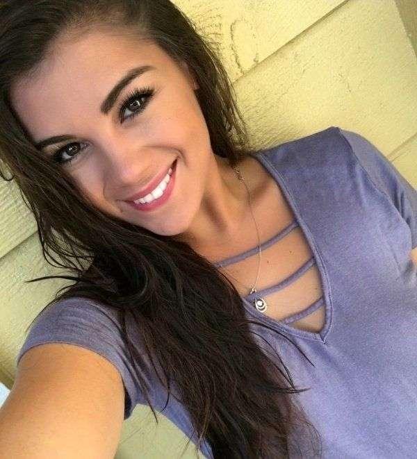 Милі дівчини з чарівною посмішкою (36 фото)