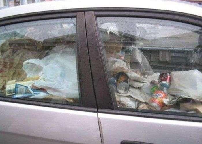 Смітника в салонах автомобілів (14 фото)