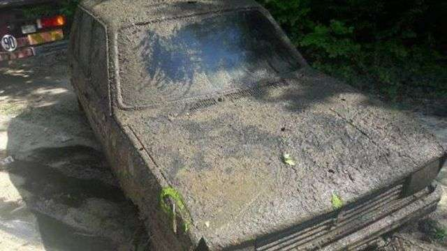 У Франції знайшли автомобіль, викрадений 38 років тому (3 фото)