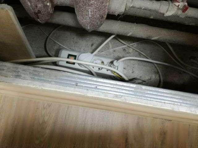 Коли за справу береться кваліфікований електрик (3 фото)