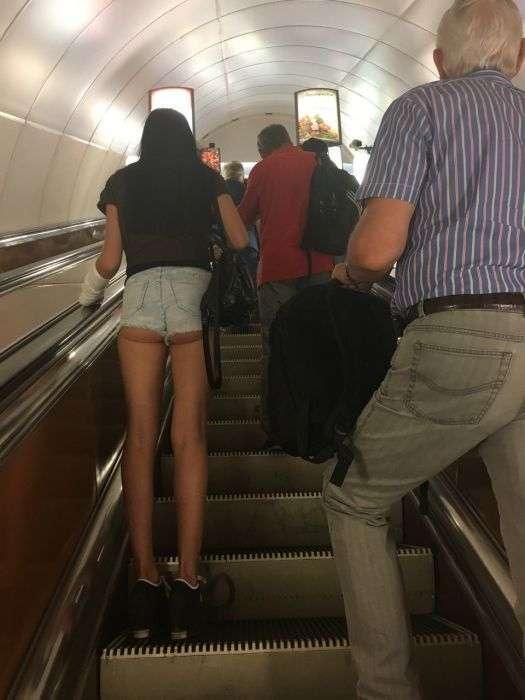 Модні пасажири метро (28 фото)