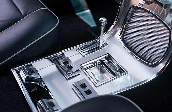 Вінтажний італійський автомобіль Carrozzeria Ghia продадуть за 390 000 доларів (7 фото)