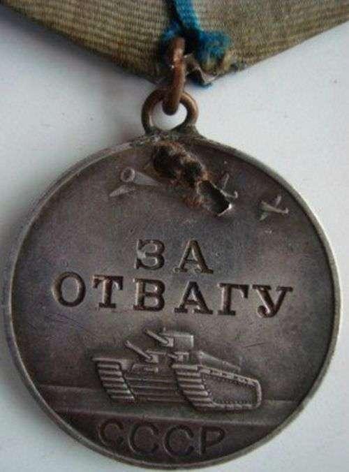 Нагороди, які врятували життя солдатів (22 фото)