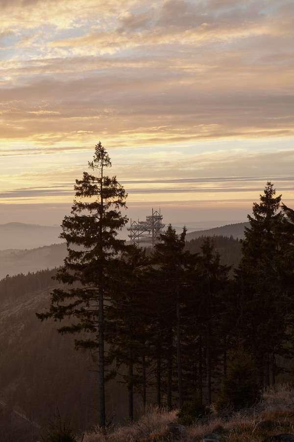 Оглядовий майданчик з екстремальних гіркою в горах Чехії (13 фото)