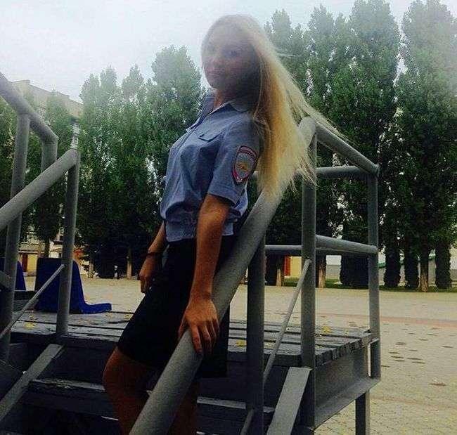 Дівчата з силових структур Росії (34 фото)