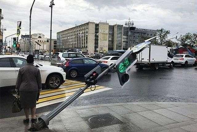 На вулицях міста завжди потрібно бути напоготові (17 фото)