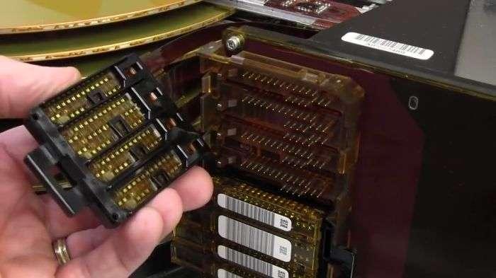Старий 36-кілограмовий жорсткий диск особливо великого обсягу (16 фото)