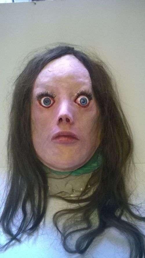 Моторошна реалістична маска для розіграшу друзів (5 фото)