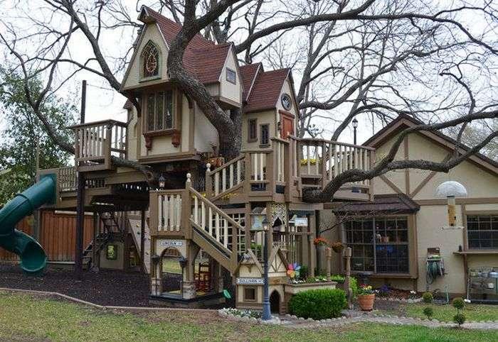 Незвичайний будиночок на дереві для онуків (10 фото)