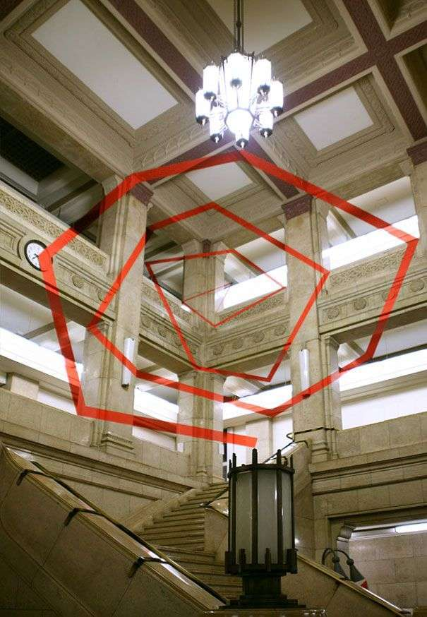 Намальовані ілюзії, які видно під потрібним кутом (34 фото)