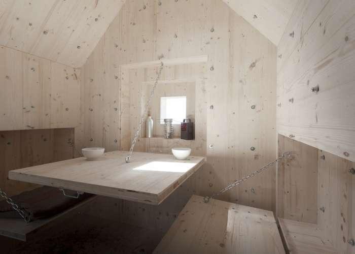 Незвичайний будиночок у Швейцарських Альпах (7 фото)