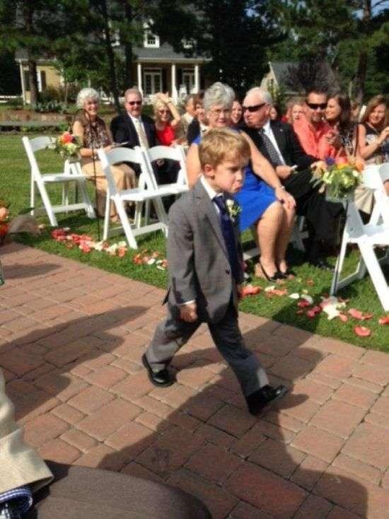 Забавні дітлахи на весіллях (26 фото)