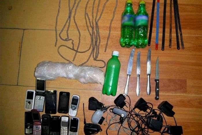 Самі незвичайні способи доставки заборонених речей у вязницю (10 фото)