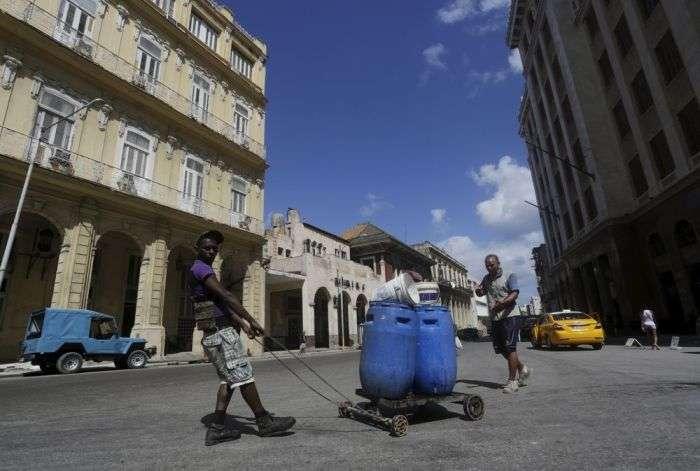 Повсякденне життя на Кубі (33 фото)