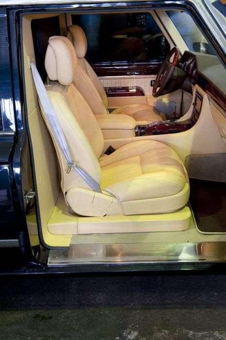 Президентський лімузин ЗІЛ-4112Р виставлений на продаж (20 фото)