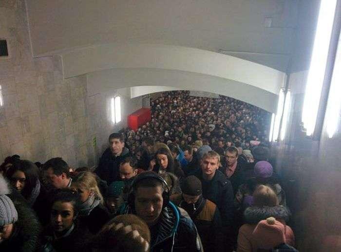 Колапс на станції метро «Тульська» в Москві (5 фото + відео)