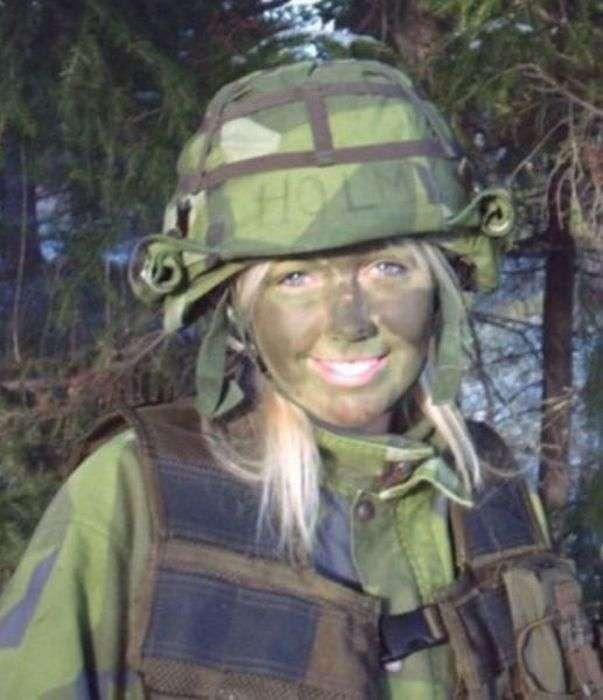 Військовий камуфляж - майстри маскування (25 фото)