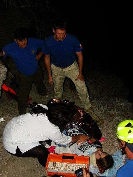 Дівчина зірвалася зі скелі, роблячи селфи (5 фото)