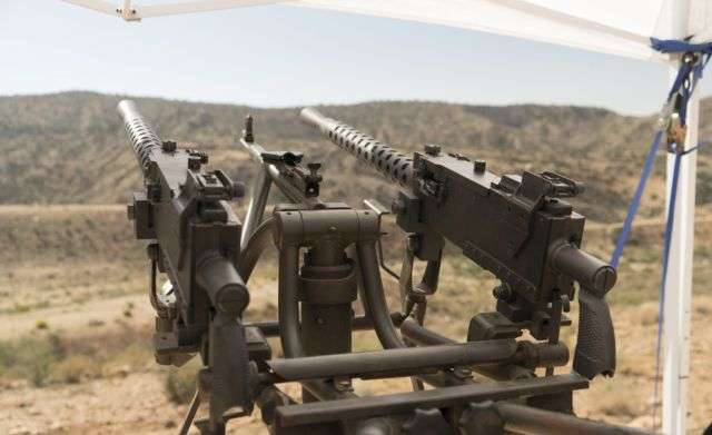 Крупнокаліберне зброю пересічних американців на фестивалі Big Sandy (18 фото)