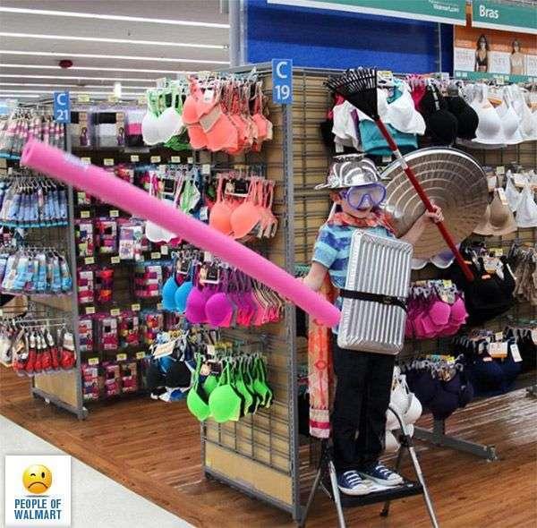 Дивні відвідувачі супермаркету Walmart (44 фото)