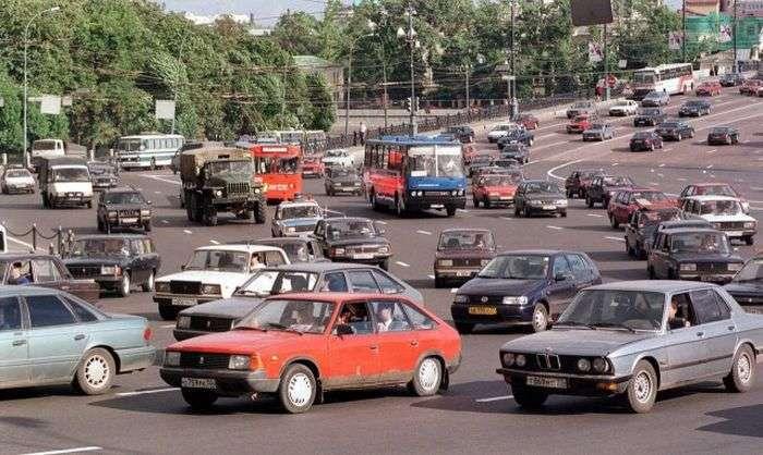 Фотографії суперечливого часу в історії країн колишнього СРСР (32 фото)