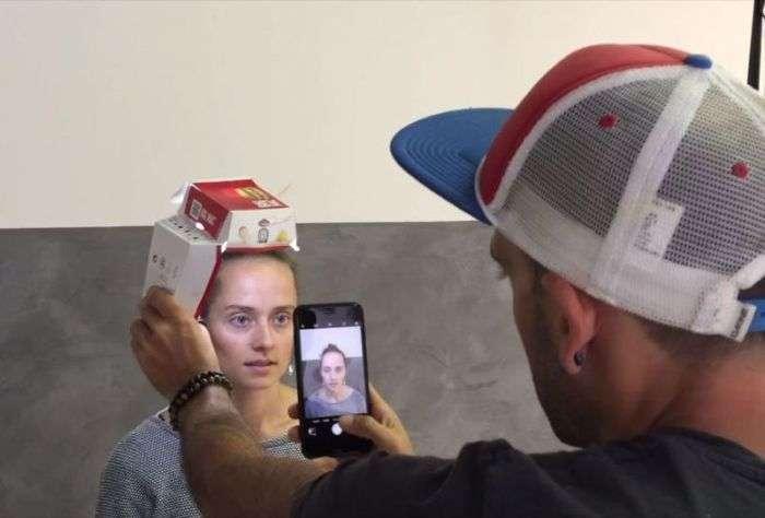 Дивовижні фотопортрети, зроблені на смартфон з використанням простої освітлювальної установки (11 фото)