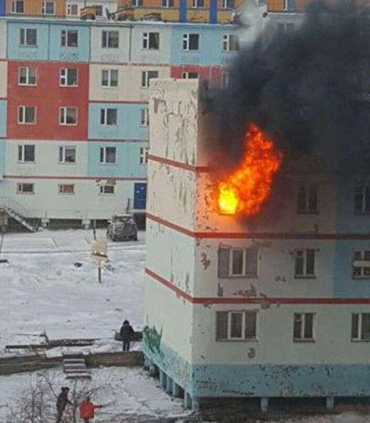 Інформація про пожежу в Анадирі потрапила у соцмережі швидше, ніж про це сповістили МНС (2 фото)
