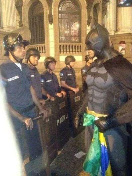 Приколи з поліцейськими (48 фото)