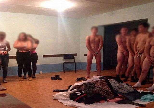 КемГУ опинився в центрі скандалу через голою церемонії посвяти студентів (3 фото)