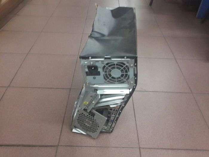 Випадок з сервісу по ремонту компютерів (4 фото)