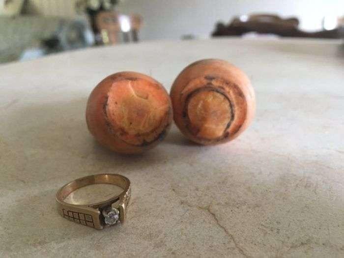 Втрачене 13 років тому діамантове кільце було знайдено на моркві (4 фото)