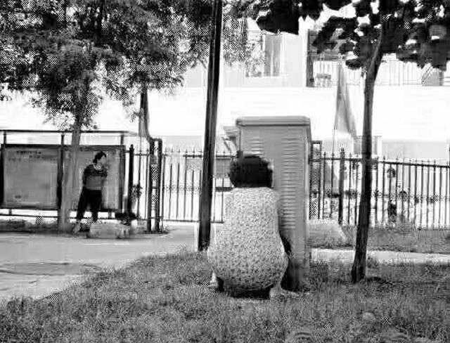Батьки в перший день дітей в дитячому саду (10 фото)
