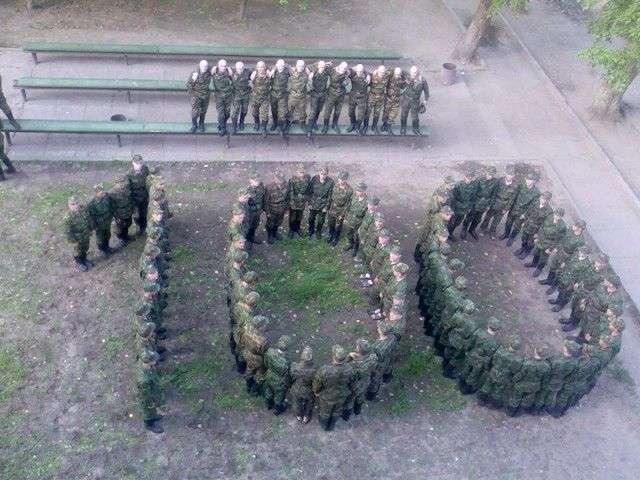 Приколи з армії (22 фото)
