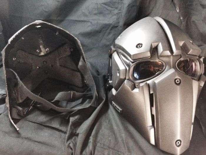 Шолом підрозділу SAS, захищає від куль (3 фото)