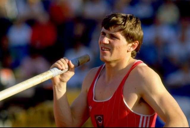 Всесвітньо відомі спортсмени тоді і зараз (51 фото)