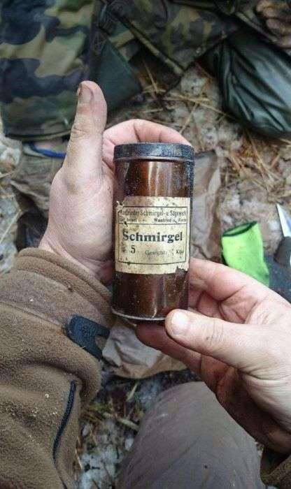 Схованку німецьких диверсантів, виявлений через 70 років після закінчення війни (58 фото)