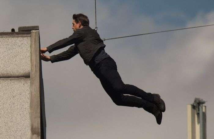 Том Круз заробив перелом на зйомках фільму «Місія нездійсненна 6» (6 фото + відео)