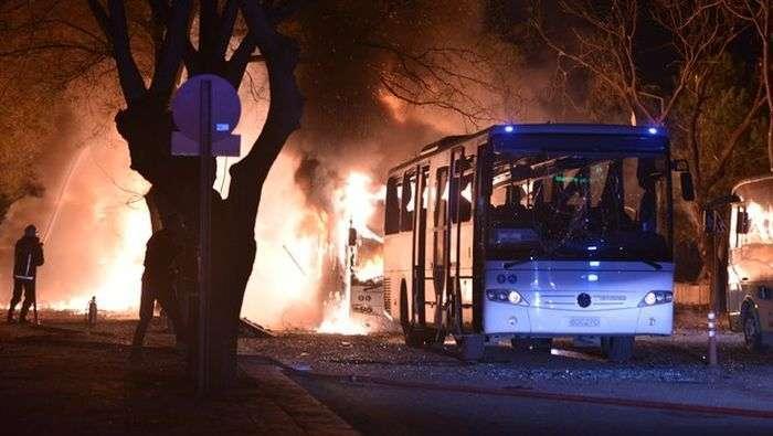 У столиці Туреччини Анкарі здійснений теракт (6 фото + відео)