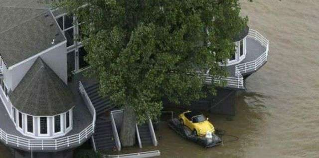 Порятунок улюбленого автомобіля (2 фото)